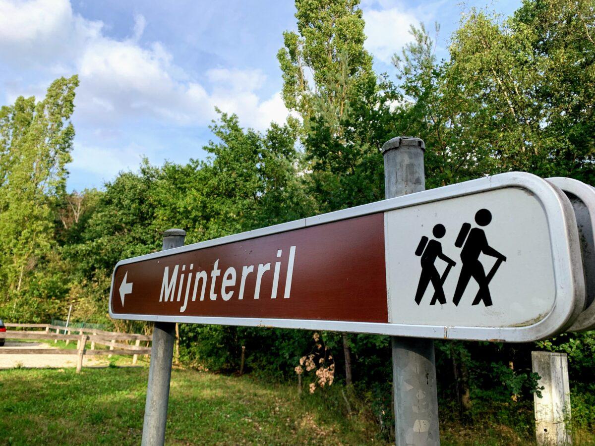 wandelen in het mijnterril in Heusden in de omgeving van BenB Nummer5